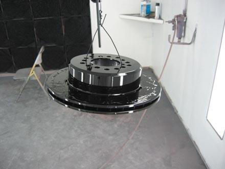 Discos de freio maiores e ventilados