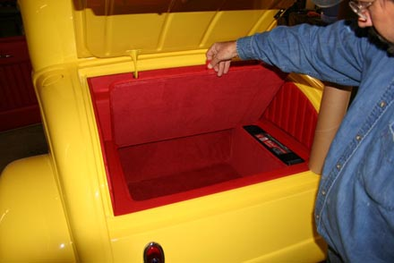 Fundo falso para aumentar a capacidade do porta-malas