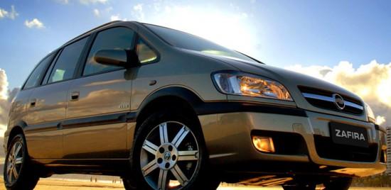 GM_zafira_2010