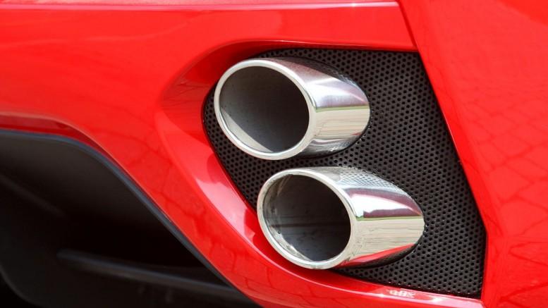 Escapamento de uma Ferrari California